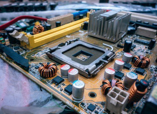 Blur Capacitors Chip